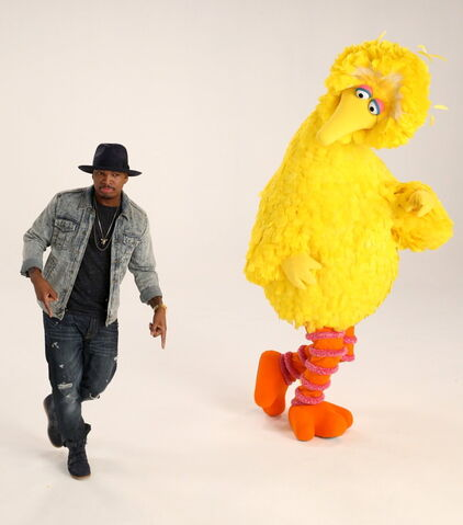 File:Big bird and neyo.jpg