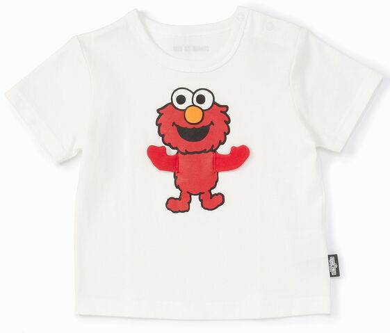 File:Mono comme ca ism japan 2013 t-shirt toddler moving fabric arms elmo.jpg