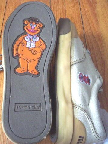 File:Keds 1981 fozzie bear 2.jpg
