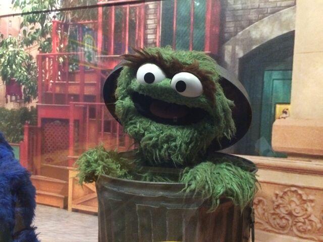 File:Center for Puppetry Arts - Sesame Street - Oscar.jpg