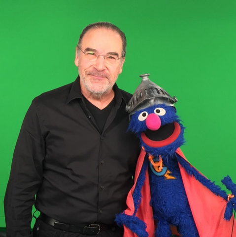 File:Mandy Patinkin Super Grover.png