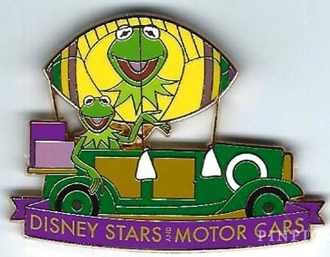 File:Kermit parade pin.jpg