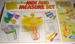 Pillsbury 1978 mix and measure set 10
