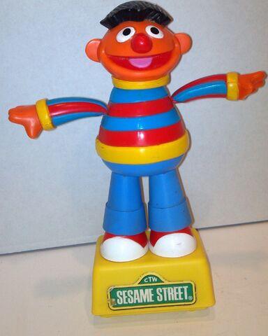 File:Tara toys 1991 ernie push puppet.jpg