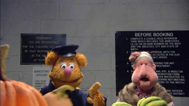 File:TheMuppetsKitchenWithCatCora-Episode2-BearOnPatrol.jpg