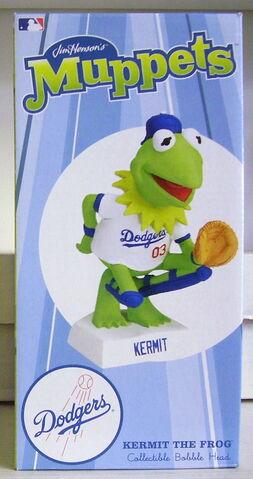 File:Kermit dodgers 2.jpg
