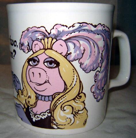 File:PIGGY ANNIE Mug3.JPG