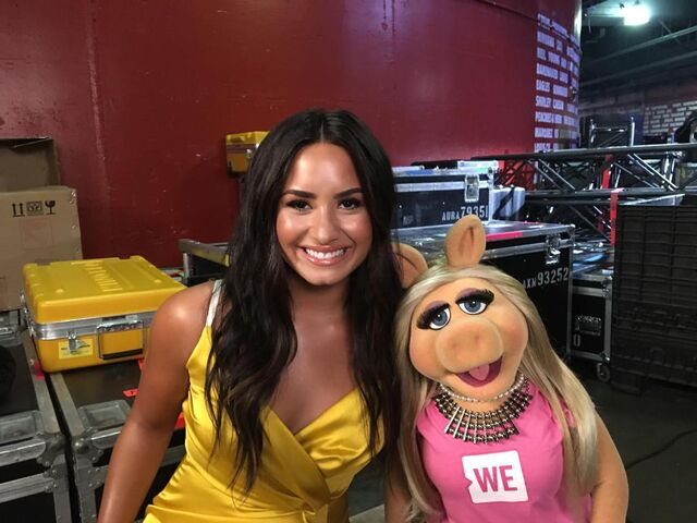 File:WeDay2017-Demi1.jpg