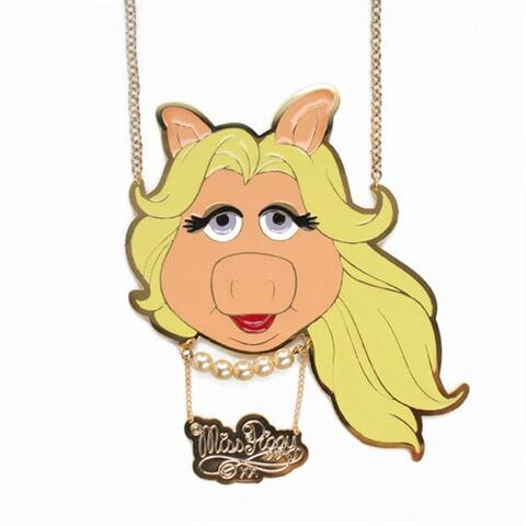 File:Miss PIggy pendant necklace.jpg