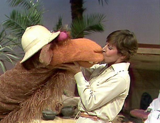 File:Kiss Helen Reddy Sopwith.jpg