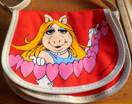 Butterfly originals piggy pink purse 1981