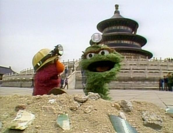 File:Oscar and Telly in Big Bird in China.jpg