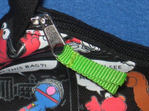 File:Accessory innovations handbag oscar 6.jpg