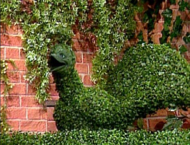 File:Topiary Peacock.jpg