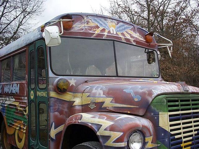 File:Em-Bus2.jpg