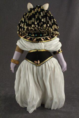 File:Famous Femmes du Histoire Cleopatra 03 back.jpg
