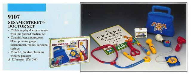 File:Illco 1992 preschool toys sesame street doctor's set.jpg