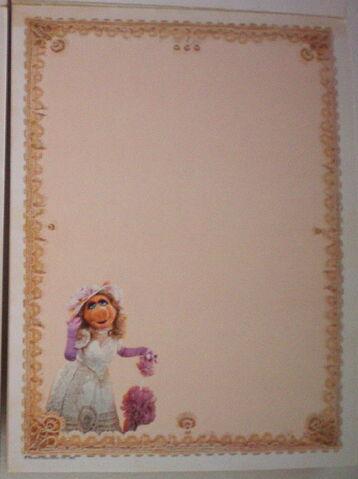 File:Whiting stationery kermit piggy pads 2.jpg