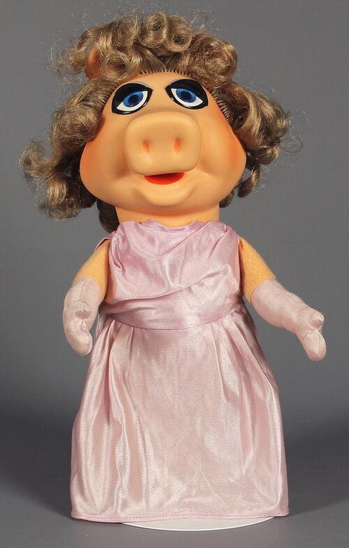 File:Fisher-price miss piggy puppet 2.jpg