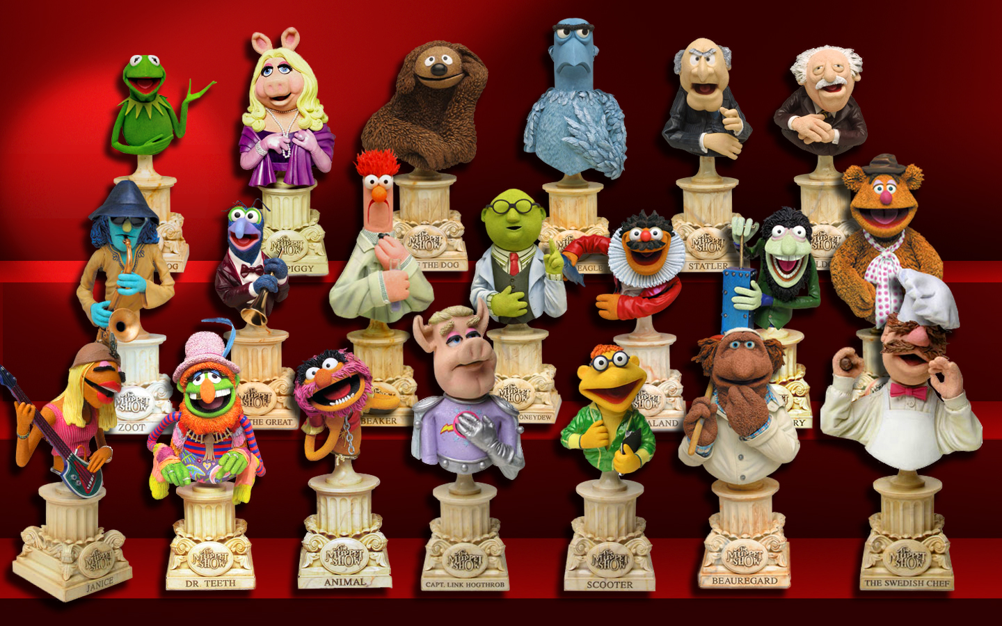 Muppet busts on oscar and slimey figures