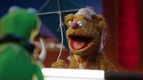 TheMuppets-S01E08-Fozzie-BenjaminFranklin