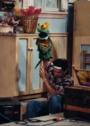 Bob Stutt as Iggy