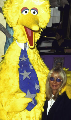 File:Penny-Marshall-Big-Bird.jpg