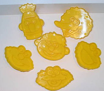 File:Wilton1996CookieCutterFaces.jpg