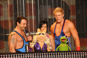 WWE-Raw-TheMuppets-(2011)-01