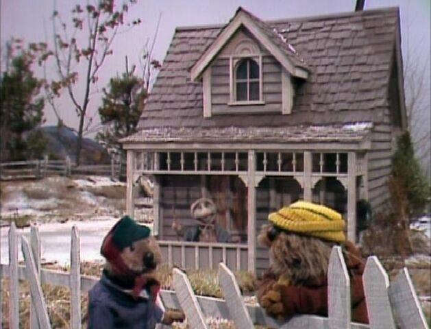 File:FH Old Lady Possum's.JPG