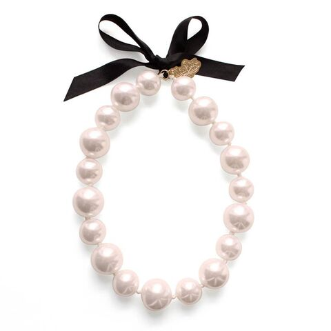 File:Muppets Pearl Necklace (pink) by Noir.jpg