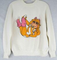 1982 sweatshirt miss piggy aerobics