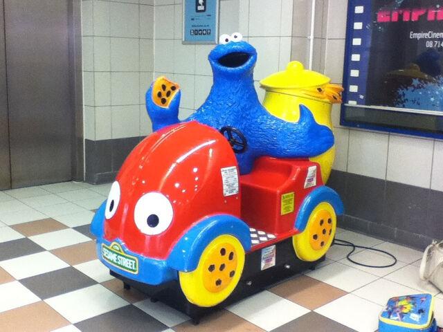 File:Single seater Cookie Monster car.jpg