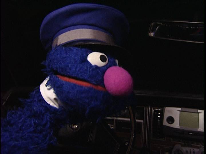 File:Grover-chauffeur.jpg
