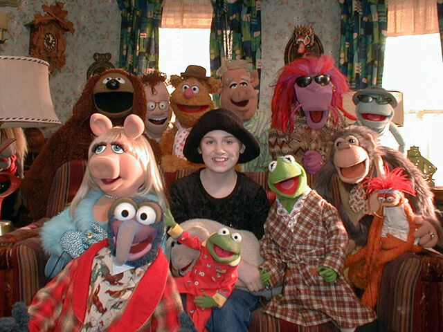 File:Kristina Donnelly and The Muppets.jpg
