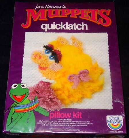 File:Craft master fundimensions 1982 piggy crafts kits 3.jpg