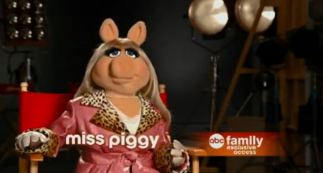 File:Abc family first look piggy.jpg