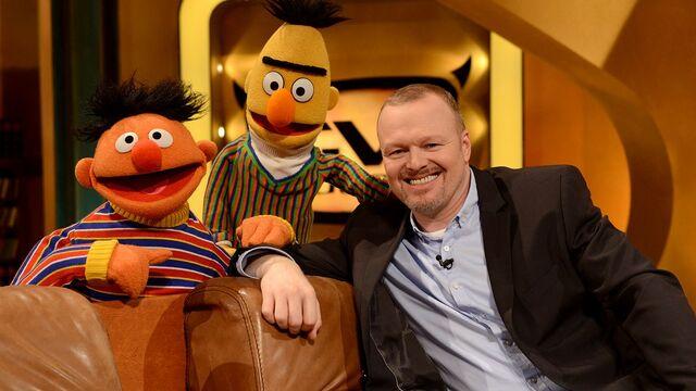 File:TV-Total-Ernie-Bert-StefanRaab-(2013-01-31).jpg
