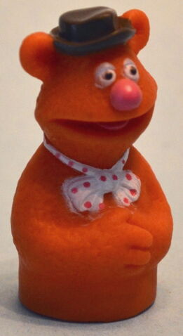 File:Palitoy finger puppets fozzie.jpg