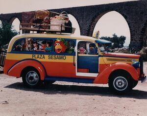 PlazaSesamo1995Bus