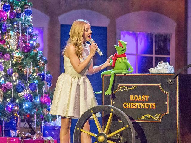 File:Katherine Jenkins Kermit the Frog 3a.jpg