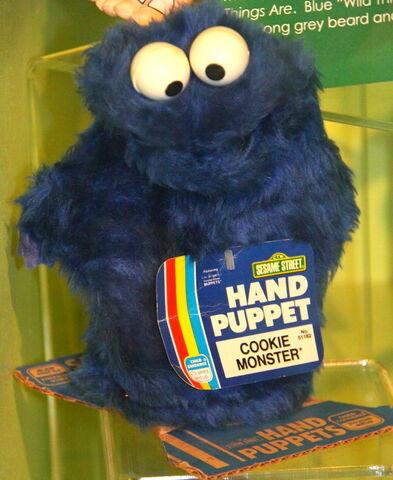 File:Gabriel child guidance 1980 hand puppet cookie monster.jpg