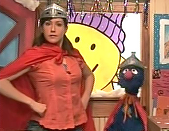 File:Kelly Vrooman as Super Grover.jpg