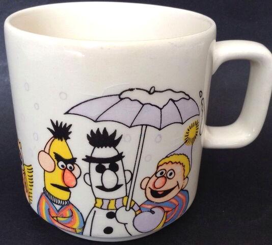 File:1982 new zealand sesame mug 1.jpg