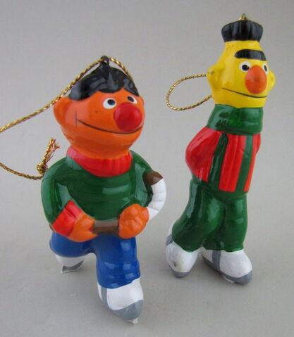 File:Newcor bert ernie christmas skating ornaments ceramic.jpg