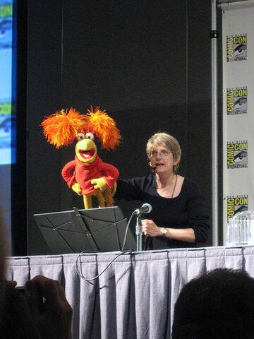 File:Red Karen Comic Con 2008.jpg
