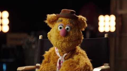 Fozzie Bear Warm Up Comedian - The Muppets