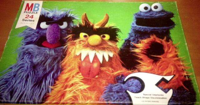 File:Milton bradley puzzle sesame street scenes monsters.jpg