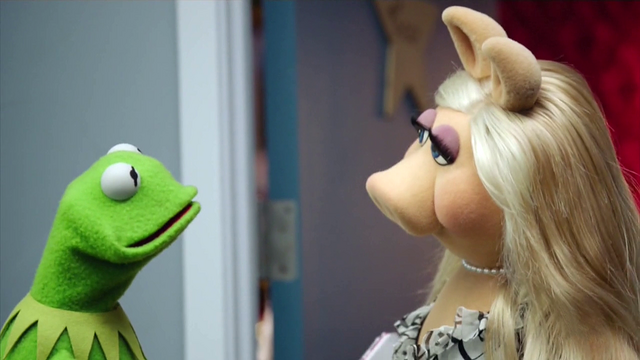File:TheMuppets-S01E06-AwkwardKermit01.png