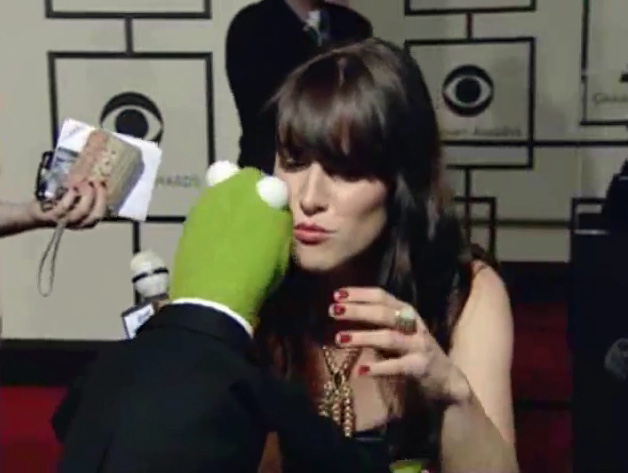File:Kiss Feist Kermit.jpg